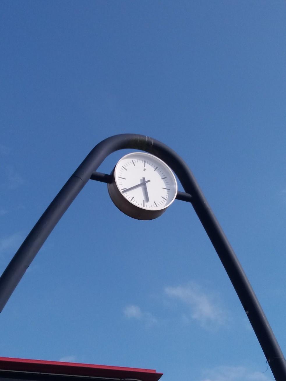 De klok aan het station in Rijswijk